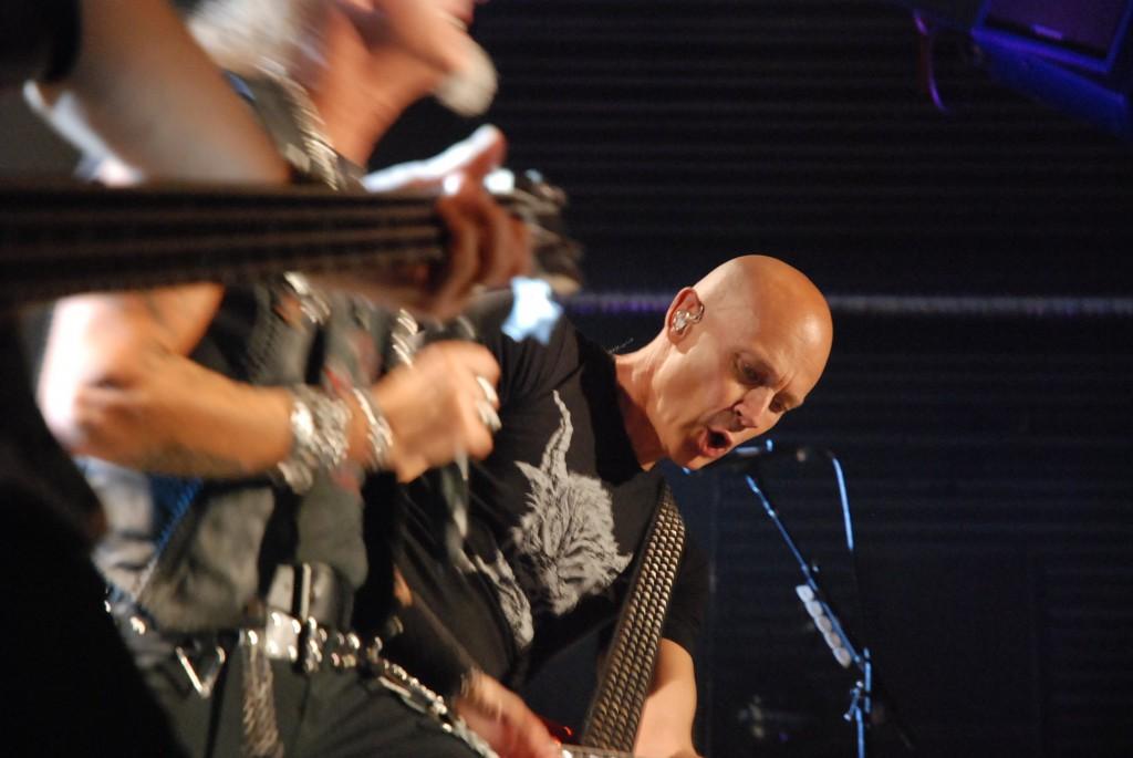 Desværre eneste nogenlunde skud (fokussen drillede vores fotograf) af indpisker og guitar liderbasse Wolf Hoffmann