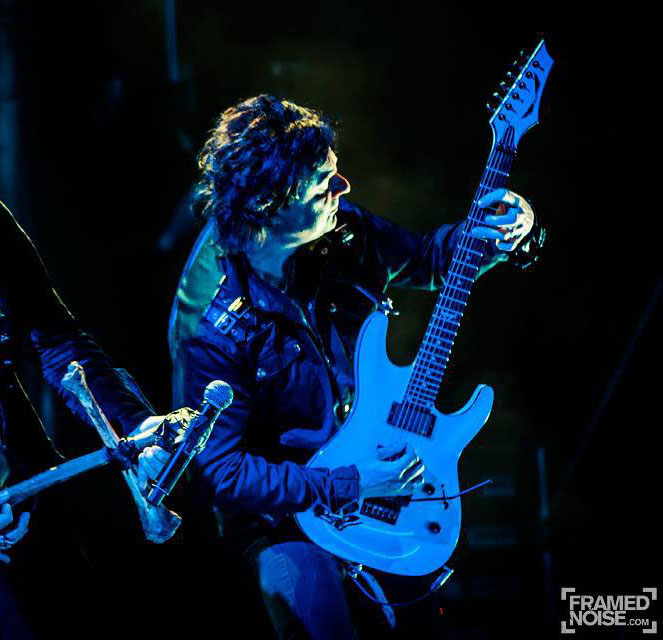 Guitarist Andy La Roqcue